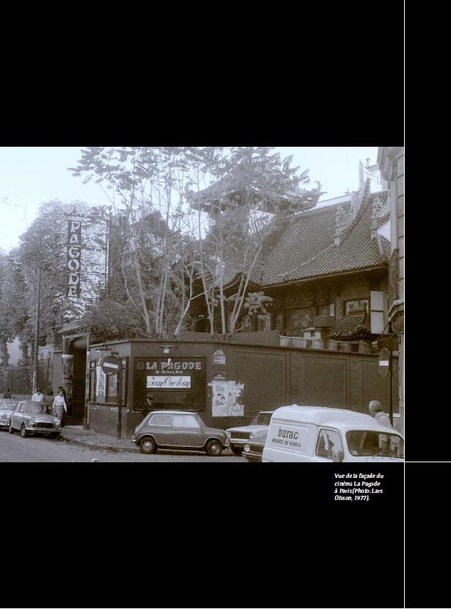 Vue de la façade du cinéma La Pagode à Paris (Photo: Lars Olsson, 1977).